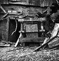 """Preša na ovne z letnico 1863 in """"ML"""" kratico, Zalisec 1957.jpg"""