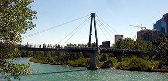 Prince's Island Park (Calgary) - Image: Princes Island Bridge 1