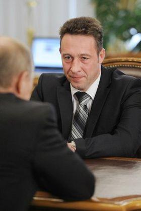 http://upload.wikimedia.org/wikipedia/commons/thumb/c/c0/Putin_Holmanskih_18052012.jpg/280px-Putin_Holmanskih_18052012.jpg