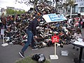 Pyramide de chaussure 2015, Paris (23).jpg