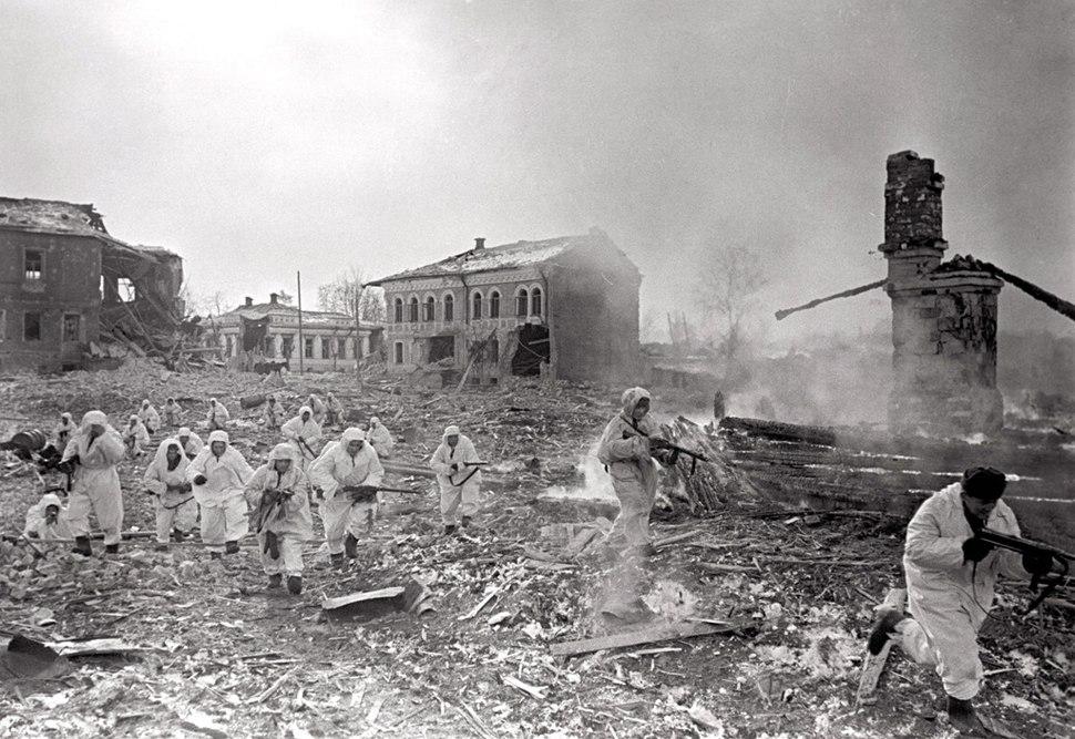 RIAN archive 281 Soviet scouts enter Yukhnov