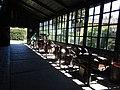 Raccolta di attrezzi agricoli antichi, in uso a Villa Carlotta. Il deposito è stato costruito utilizzando la struttura in legno delle limonaia.jpg