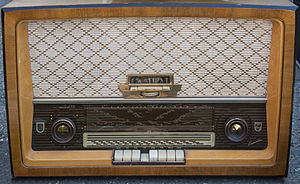 Radio by Philips (Capella)