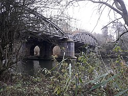 Rail bridge over the River Thames, carrying the Cherwell Valley line 04.jpg