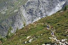 Le passage dans ESSENIENS 220px-Randonneurs_Glacier_Tour
