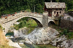 Rassa, Piedmont - Medieval bridge over the Gronda torrent