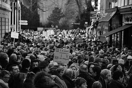 Rassemblement Charlie Hebdo 5 NB – Rambouillet.JPG