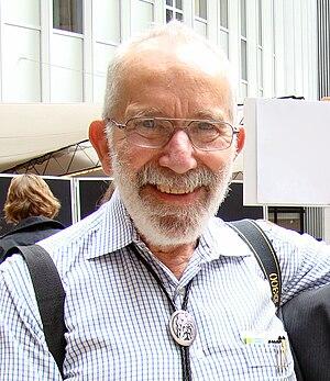 English: Dr. John Robin Warren AC (born 11 Jun...