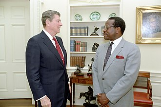Clarence Thomas - Thomas with President Ronald Reagan in 1986