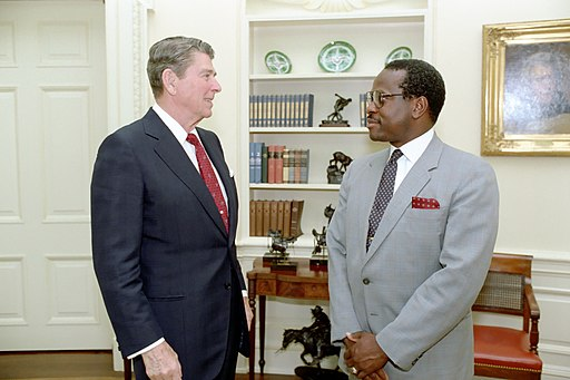 Ronald Reagan and Clarence Thomas in 1986