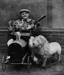 "Roscoe ""Fatty"" Arbuckle - Jan 1921 Film Fun.jpg"