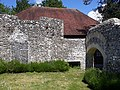 Ruined building, Priory Park Chichester 02.jpg