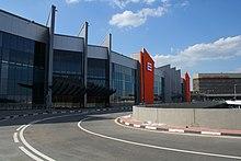 Терминал Е. В 2010 году в Шереметьево был открыт международный Терминал Е. Терминал объединяет Терминалы D...