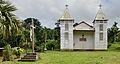 Saül église de face avec crucifix.jpg