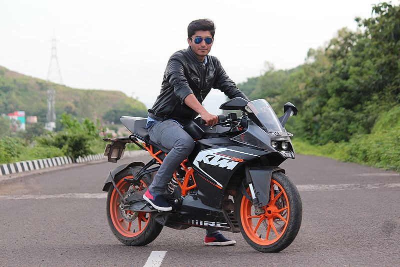 File:Sachin Rathod photo with ktm rc 200 taken in satara while riding with besties.jpg