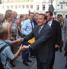 gerhard schrder in mnchen 2002 - Gerhard Schrder Lebenslauf
