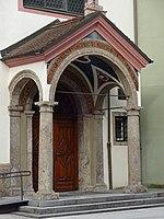 Servitenkirche Innsbruck Portal 1.jpg