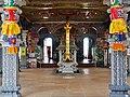Singapore Tempel Sri Srinvasa Perumal Innen 2.jpg