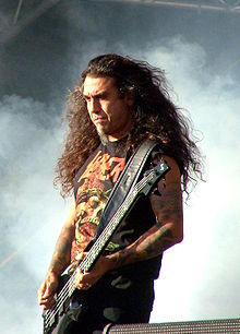 Slayer - Tuska 2008 - Tom Araya.jpg