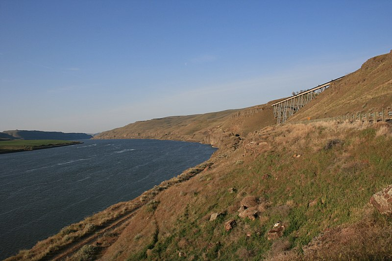 File:Snake River and Columbia Plateau Trail.jpg