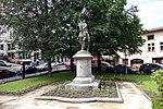 Statue de Jeanne d'Arc de face place Boivin.jpg