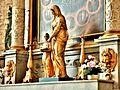 Statue de l'éducation de la Vierge. Dans l'église.jpg