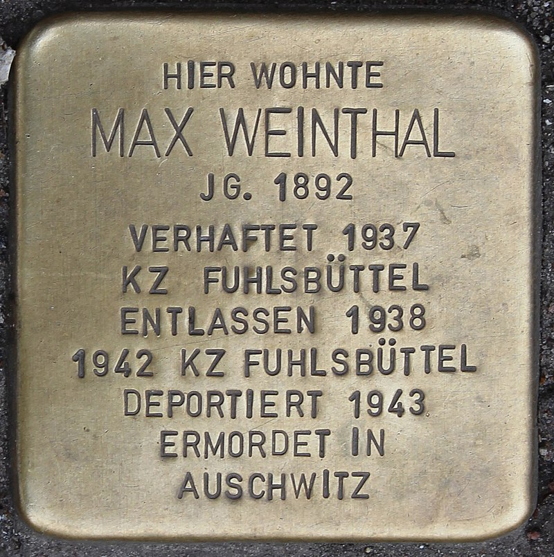 Stolperstein Schloßmühlendamm 11 (Max Weinthal) in Hamburg-Harburg.jpg