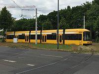 Straßenbahnwagen 2530 Dresden.jpg