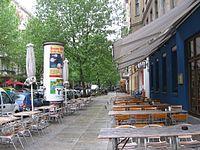 Straßencafés in der Dieffenbachstraße.jpg
