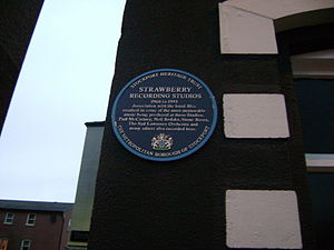 Strawberry Studios - The memorial plaque mounted by the Stockport Heritage Trust in 2007.