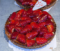 Strawberry tart calling out my name! (8438312530).jpg