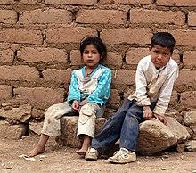 Risultati immagini per bambini poveri in india