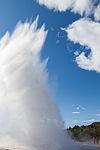 Strokkur, Área geotérmica de Geysir, Suðurland, Islandia, 2014-08-16, DD 090.JPG