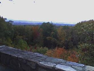 Sugarloaf Mountain (Maryland) - Image: Sugarloafoverlook
