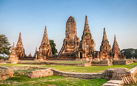 Sunset at Wat Chaiwatthanaram, Ayutthaya, Thailand.jpg