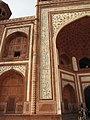 Taj Mahal 05 (Friar's Balsam Flickr).jpg