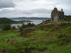 Clan MacAlister - Tarbert Castle was associated with the MacAlisters of Tarbert.