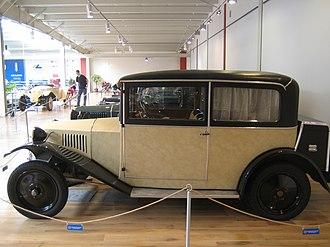 Tatra 12 - Weymann motor body covered in artificial leather