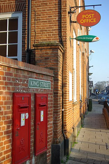 English: Thetford Post Office Centrally locate...