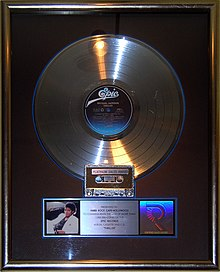 platinum record for michael jacksons thriller 1982 the best selling album of all time - Best Selling Christmas Song Of All Time
