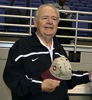 Tom Benson - Image: Tom Benson at 10 7 05 Saints practice 20051014162544 crop