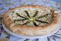 Torta salata asparagi e gamberetti -3 (4551546092).jpg