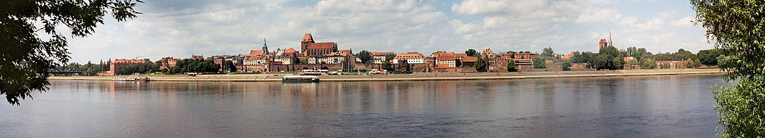Panorama on right-bank Toruń and Wisła river