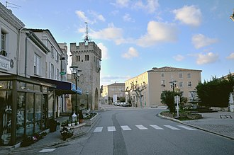 Beaumont-lès-Valence - The tower and the town hall