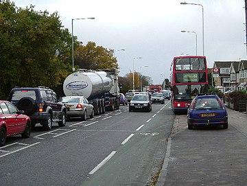 Trafikŝtopiĝo sur Whalebone Lane - geograph.org.uk - 87683.jpg