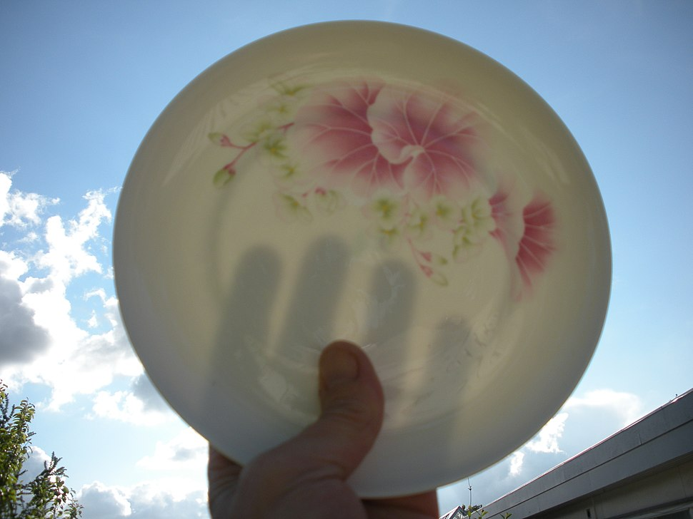 Transparent porcelain