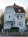 Travemünde Am Kurgarten 1 Strassenfront 02.jpg