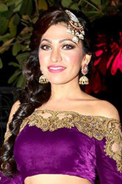 Picture of a band or musician: Tulsi Kumar