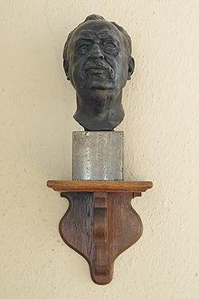 Bronzebüste in der Aula des Instituts für Kirchenmusik der Universität der Künste Berlin (Quelle: Wikimedia)
