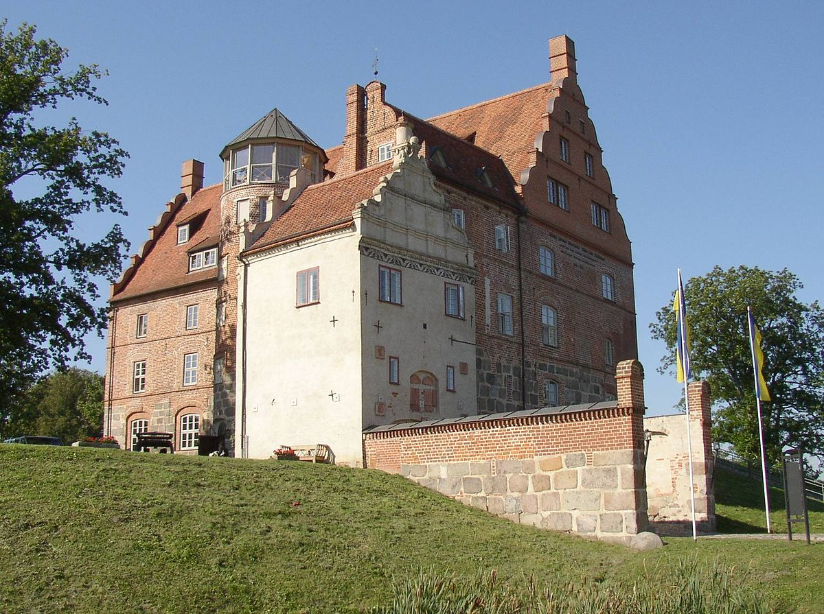 16th Century French Home - 1200px-Ulrichshusen_castle_Wonderful 16th Century French Home - 1200px-Ulrichshusen_castle  Picture_8510012.jpg